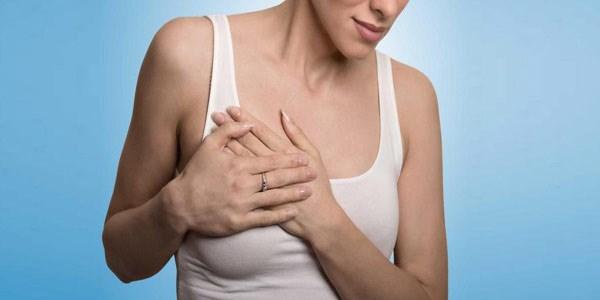 انواع ترشحات سینه، علل و درمان