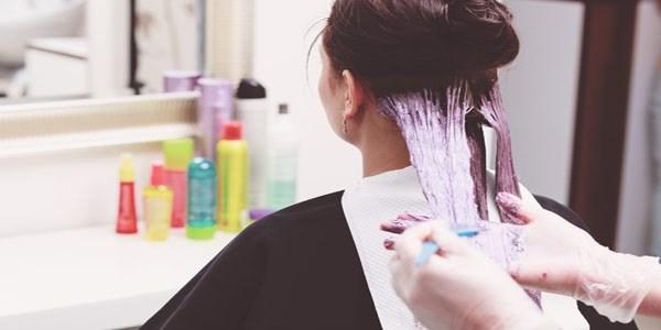 رنگ مو در بارداری مجاز است؟